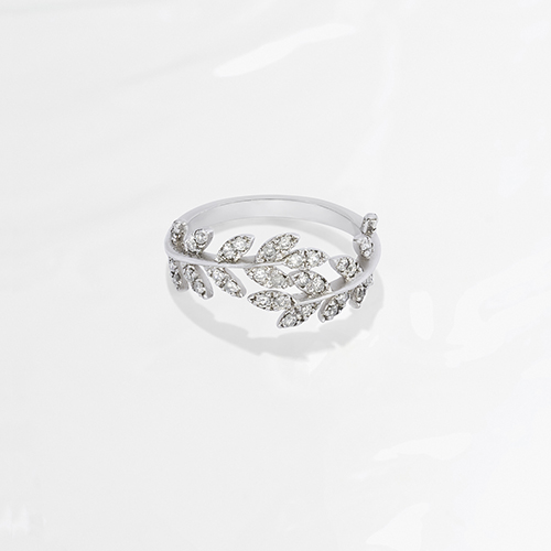 anillo frosted leaves de diamantes
